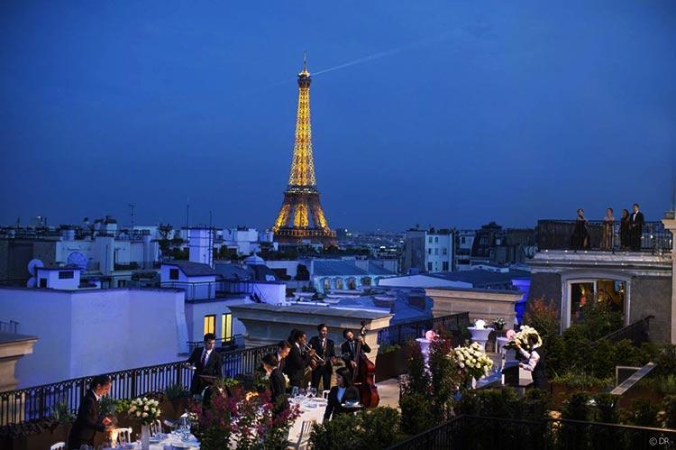cocktail d'entreprise sur un rooftop à paris
