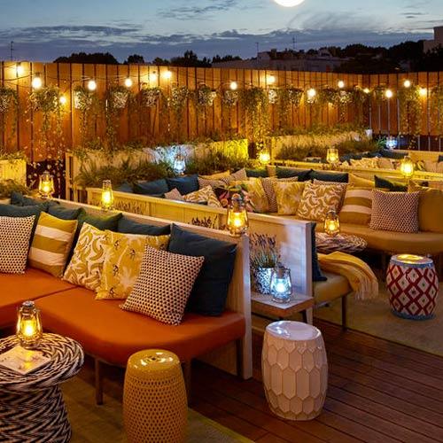 Organisez une soirée entreprise sur un rooftop avec une vue sur tout Paris