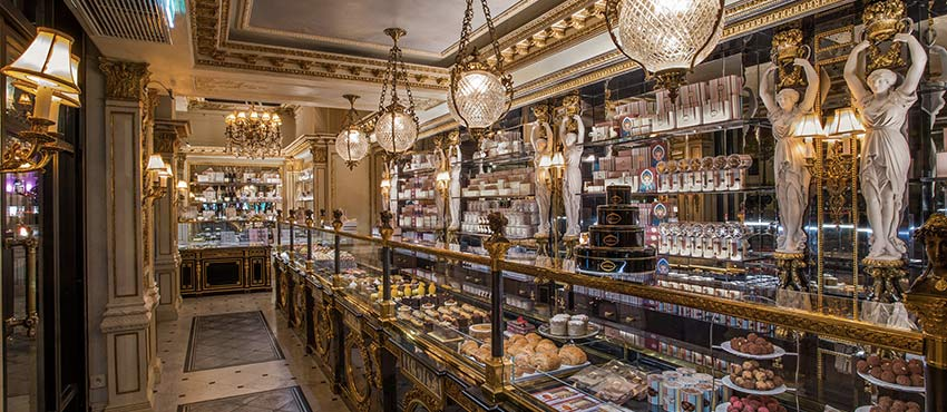 le cafe pouchkine madeleine a privatiser paris